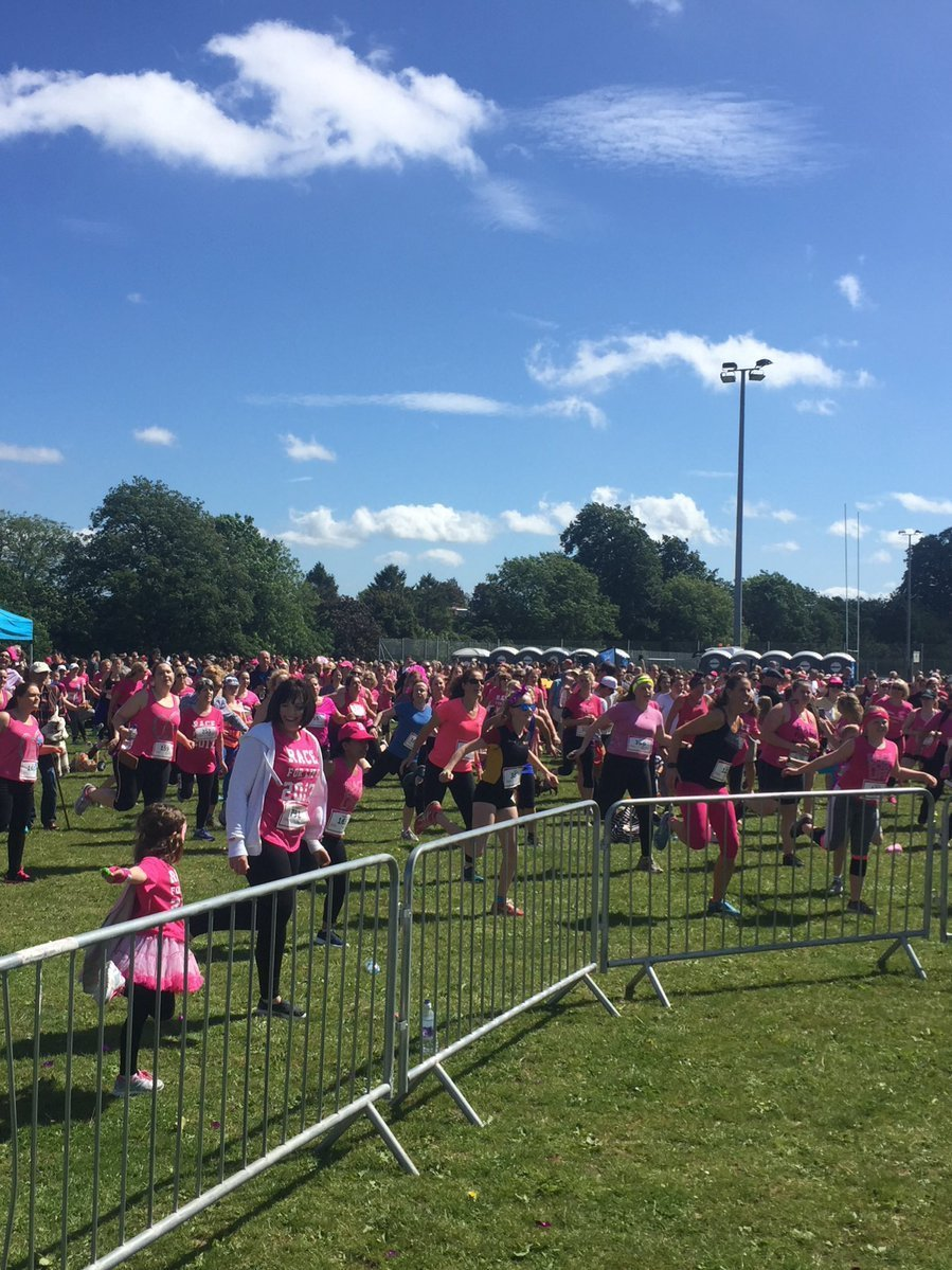 Runners at the 2017 race for life