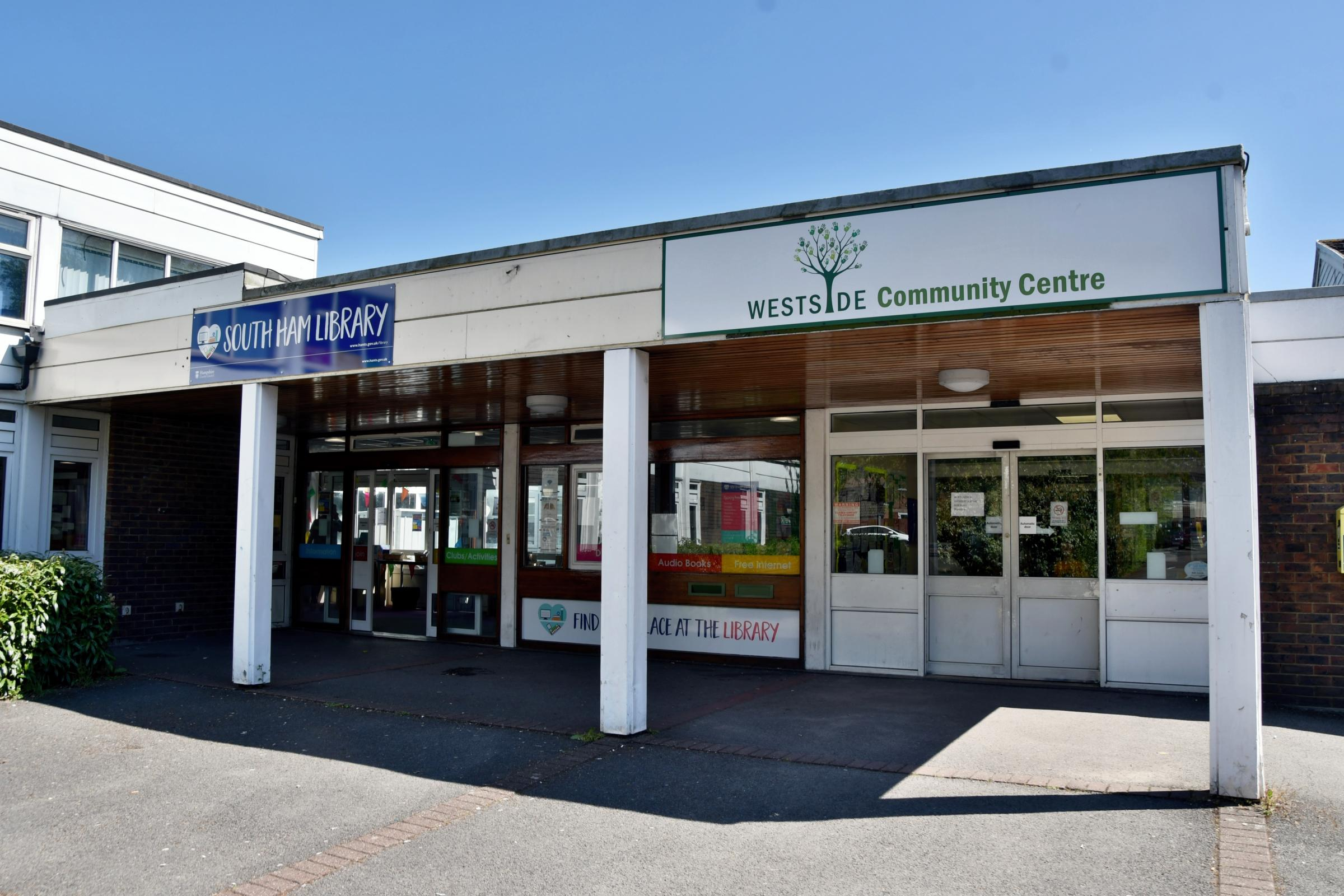 SOUTH HAM, Basingstoke..South Ham library, Basingstoke..Westside Community Centre...Photograph By: Sean Dillow..www.TheBigCheesePhotography.co.uk.