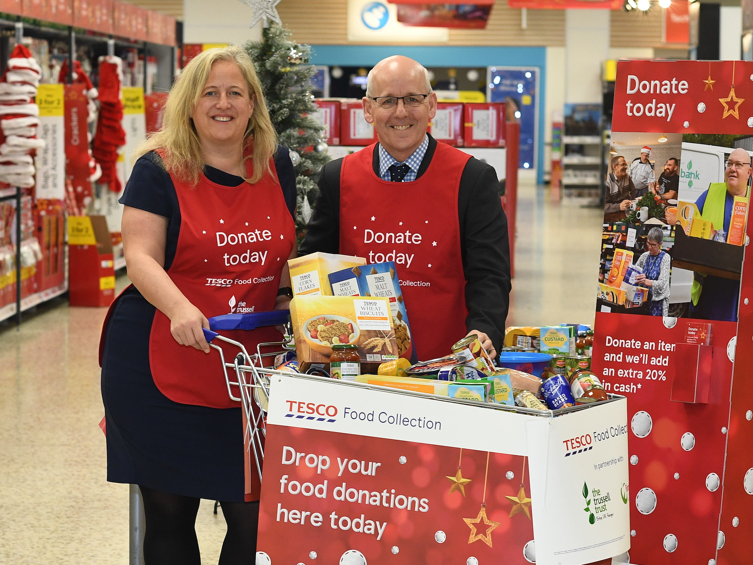 Emma Revie of The Trussell Trust and Lindsay Boswell of FareShare thanked generous shoppers for their donations.