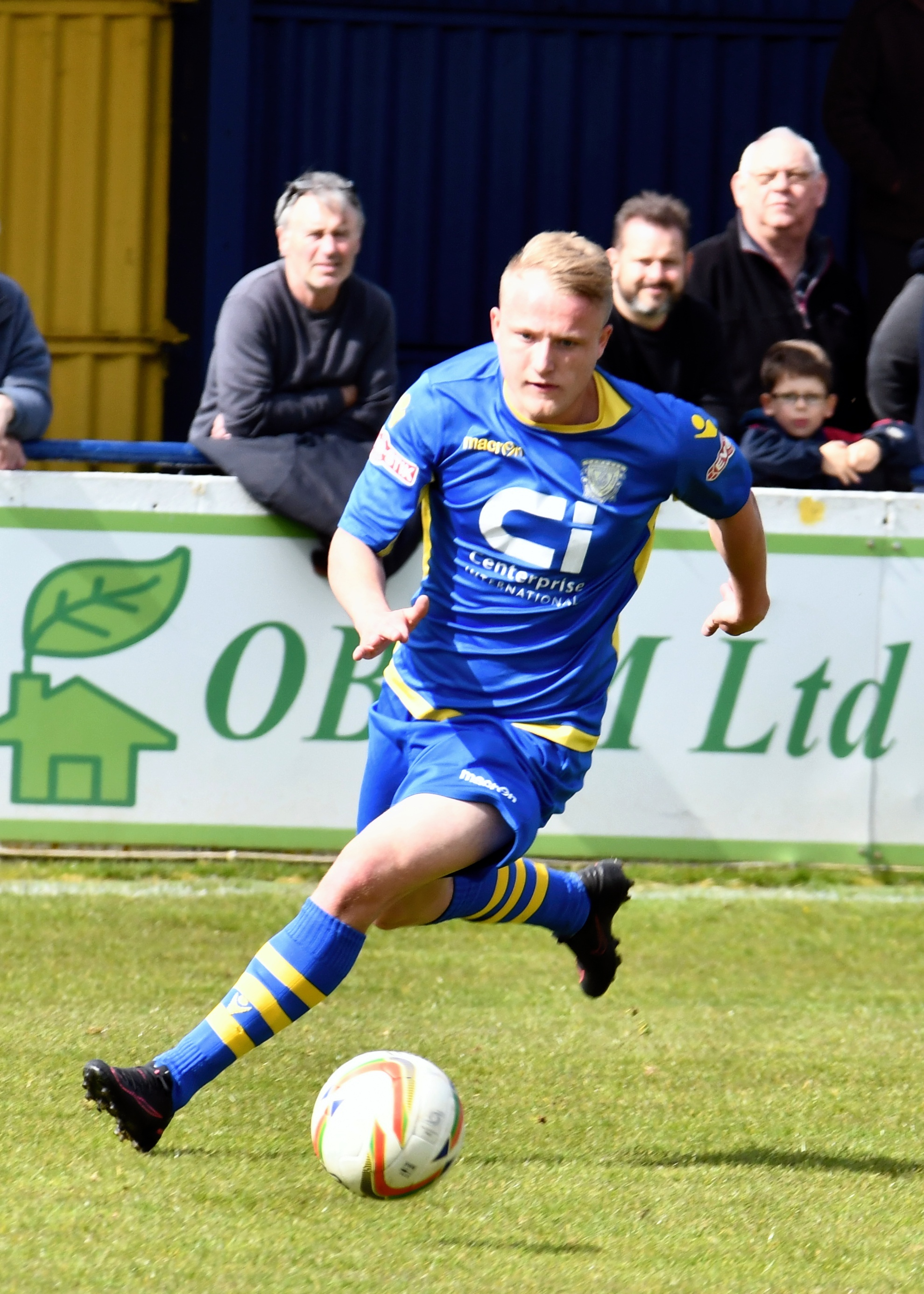 Football: Basingstoke Town V Cinderford.at the Camrose ground,  Basingstoke.Photograph By: Sean Dillow.www.TheBigCheesePhotography.co.uk